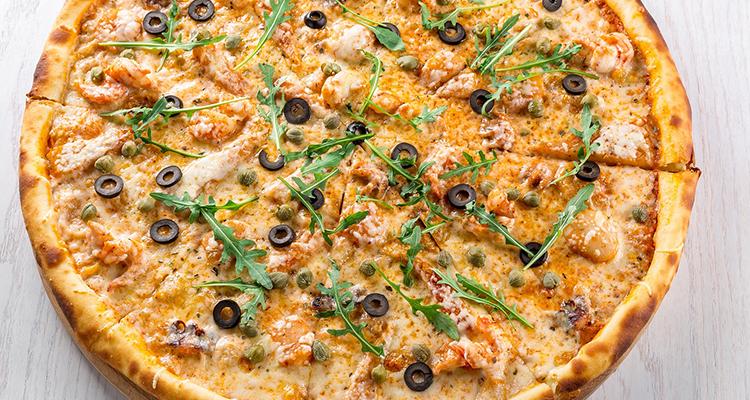 pizza met garnalen